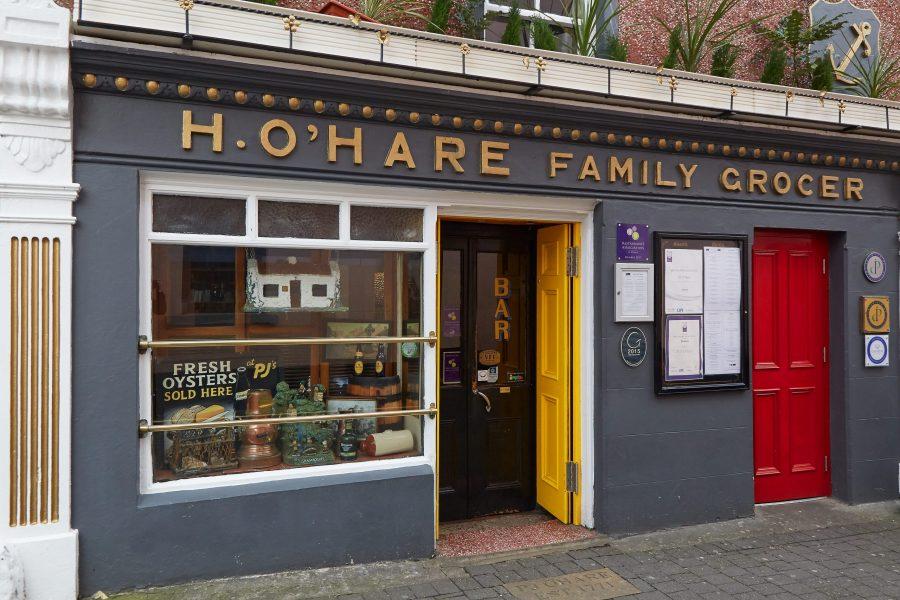 Traditional Irish pub exterior in Carlingford